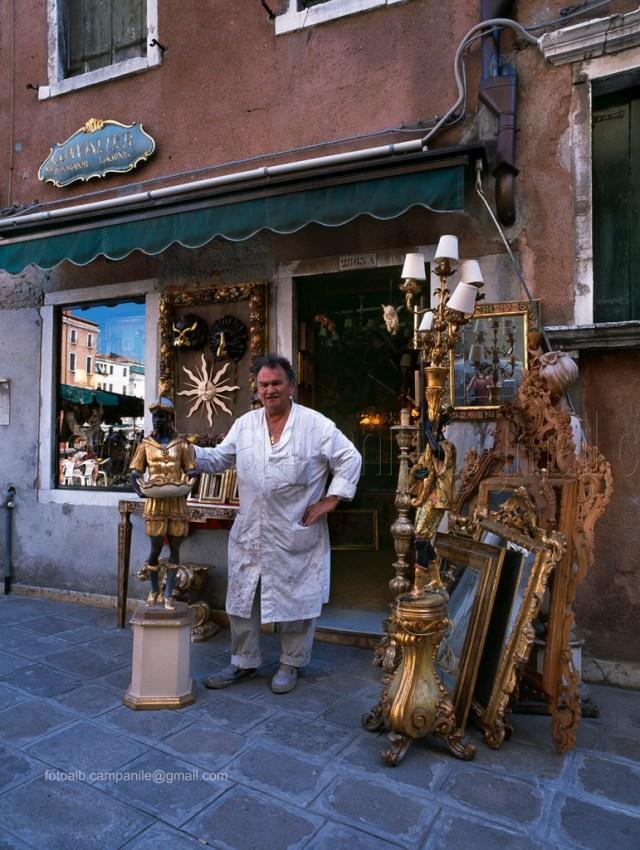 Sestiere San Marco VEAR 035 Venezia Laboratorio artig indoradori G e A Cavalier