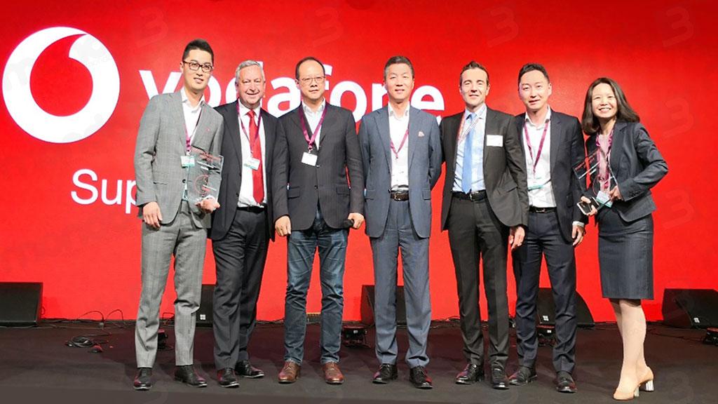 """Huawei premiata come """"Fornitore del decennio"""" dal Gruppo Vodafone"""