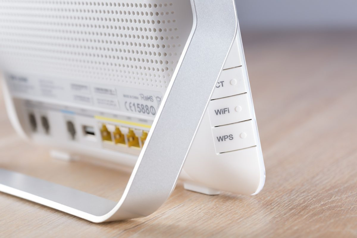 Famiglie in povertà relativa, arrivano canone a 9,5€ e offerte flat dedicate per internet