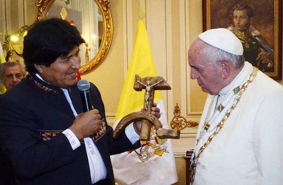 crocifisso falce martello-Evo Morales