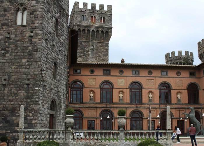 ingresso al castello di torre alfina