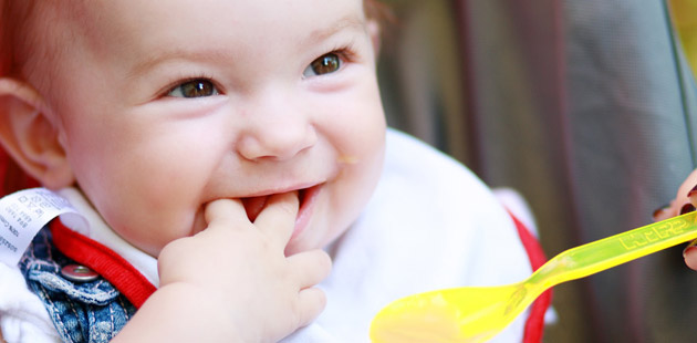 come svezzare un neonato
