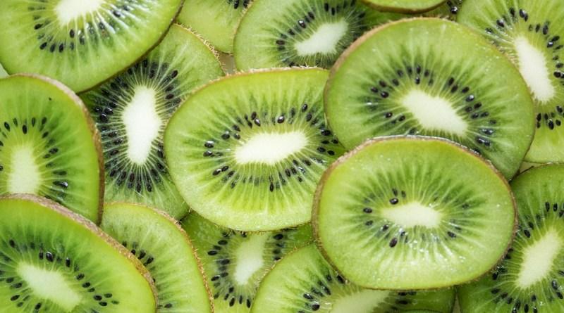 5 motivi per mangiare i kiwi