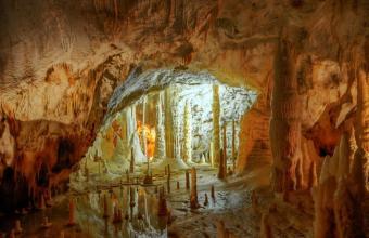 Bambini avventurosi, percorsi avventura nelle grotte di Frasassi