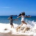 giochi nellacqua saltare le onde