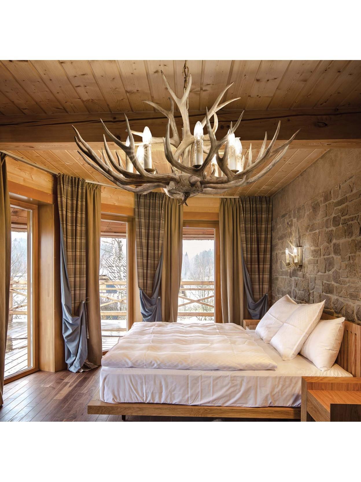 Lampadario rustico in legno intagliato corna 12 luci Chalet