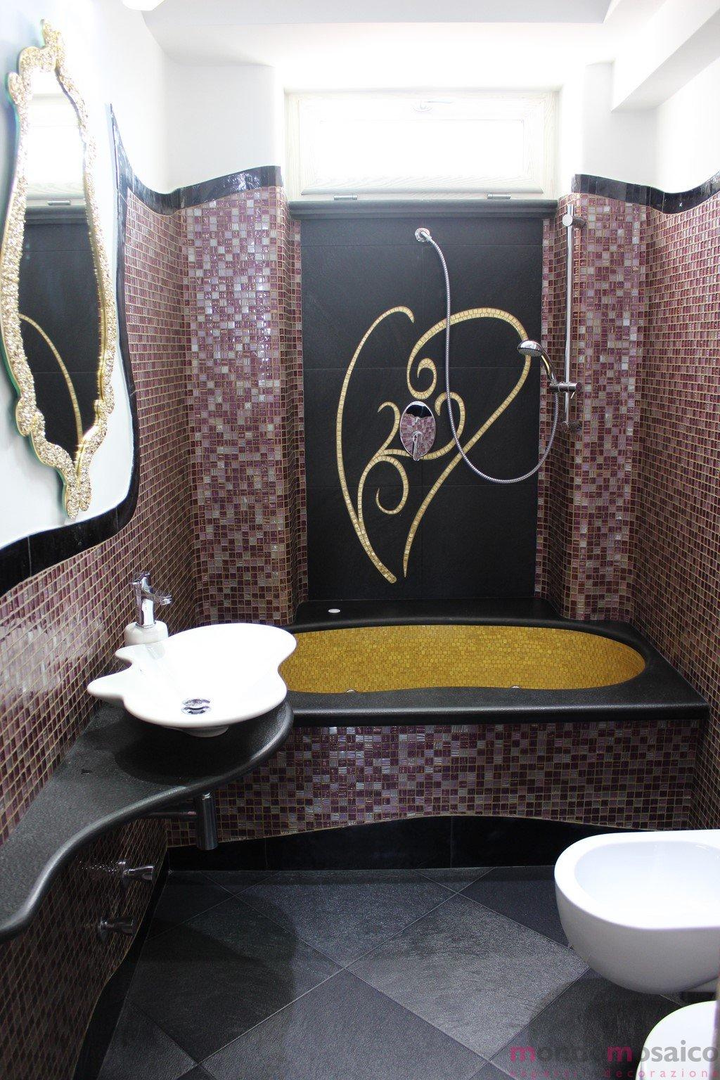 Bagno in mosaico viola e oro  Mondo Mosaico Italia