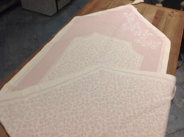 Brandani Runner Riccioli di fata con nappine rosa chiaro double-face con scatola regalo