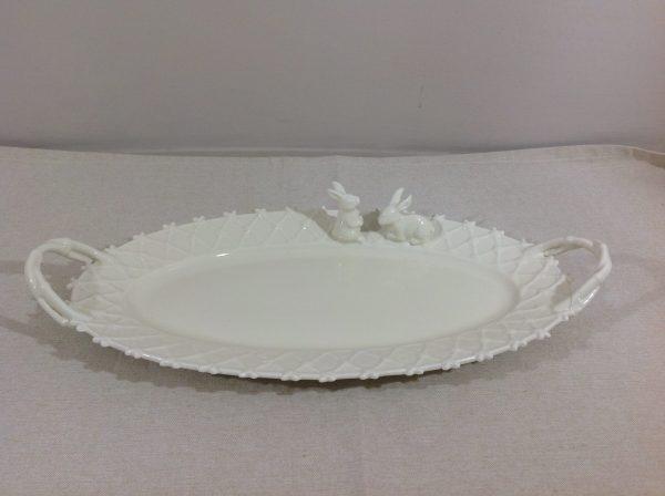 Blanc Mariclò Piatto panna ovale con manici e coniglietti bordo lavorato