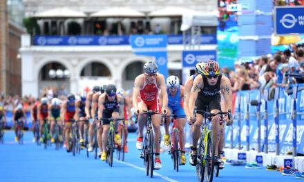 La due giorni dell'ITU World Triathlon Hamburg: video e immagini