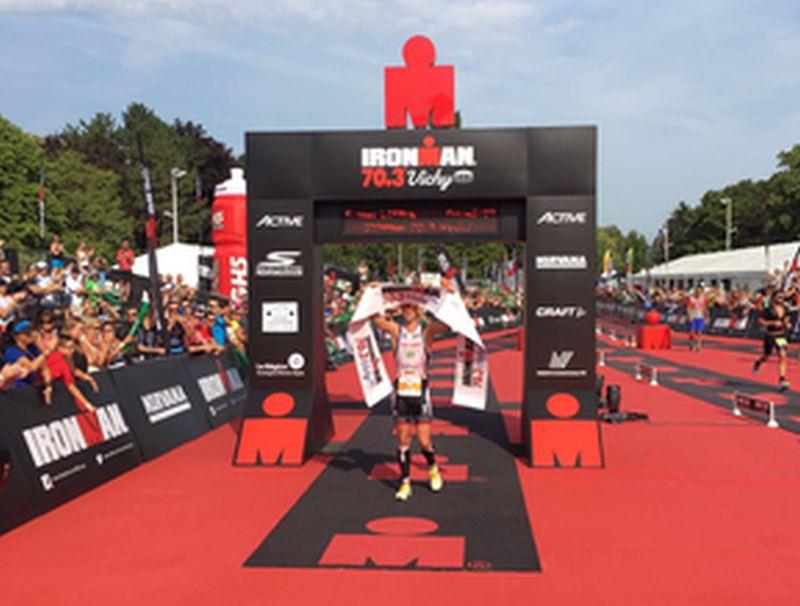 Ironman 70.3 Vichy: Frederik Van Lierde è il re, McCauley la regina!
