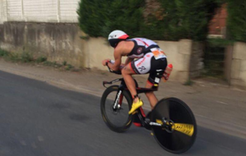 LIVE – Ironman 70.3 Vichy: dopo 50K sui pedali Boecherer, Van Lierde e Costes