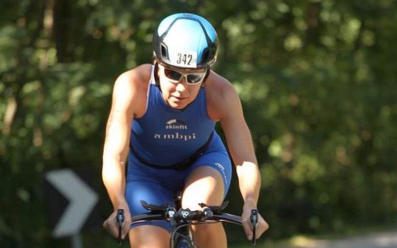 Nicole Klinger (Lichtenstein) torna alla vittoria del Triathlon Internazionale di Mergozzo 2017 (Foto: Photo-sport.it)