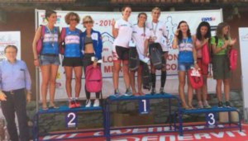 Il podio delle staffette femminili del Triathlon Internazionale di Mergozzo 2018