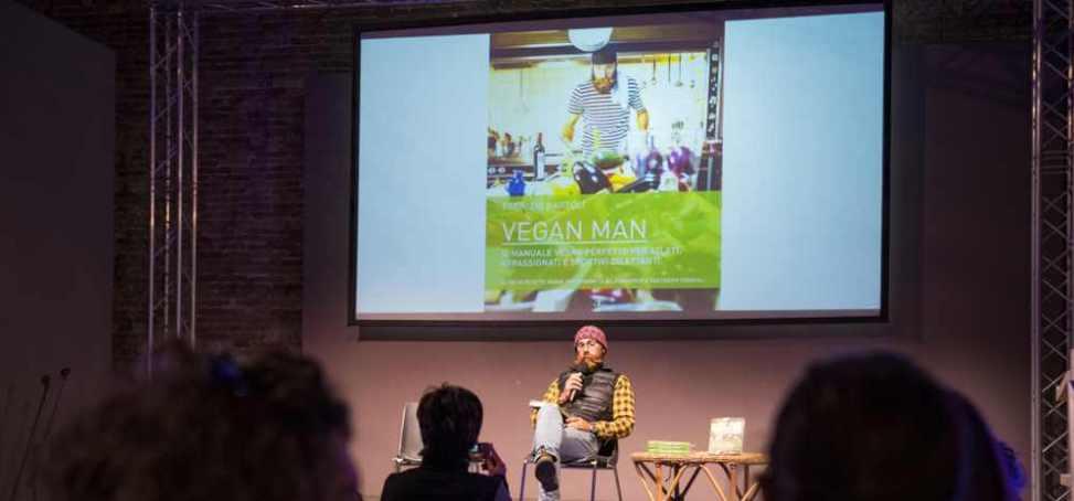 "Fabrizio Bartoli presenta ""Vegan Man"" (Foto ©FCZ.it Mondo Triathlon / Roberto Del Bianco)."