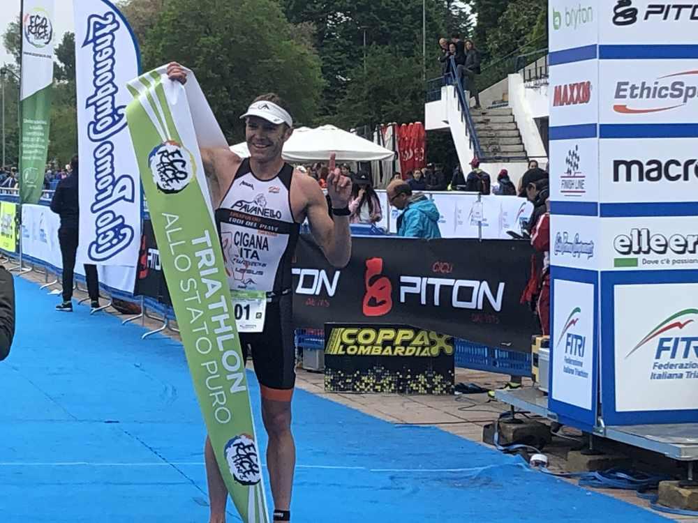 Massimo Cigana domina il Triathlon Sprint Eco Race Milano 2019.