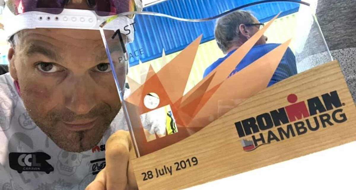"""Ironman Hamburg, Claudio Oriana vince la sua categoria: """"E' finita come avevo tante volte sognato…"""""""