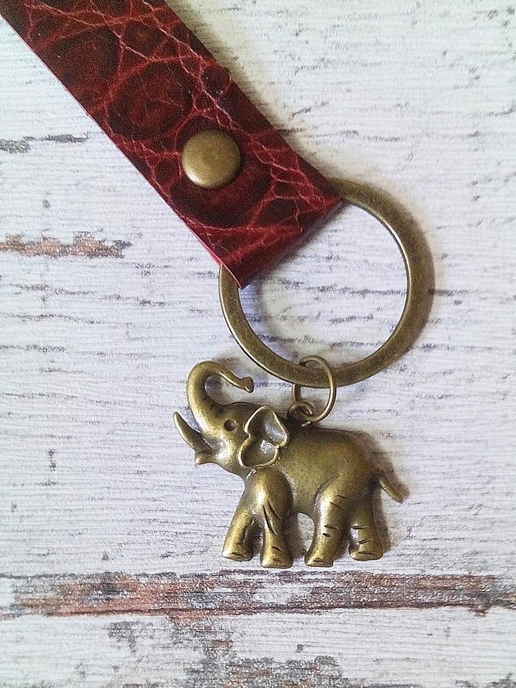 "Schlüsselanhänger ""Elefant"" (rot-bronze) aus Leder - Mondspinne"