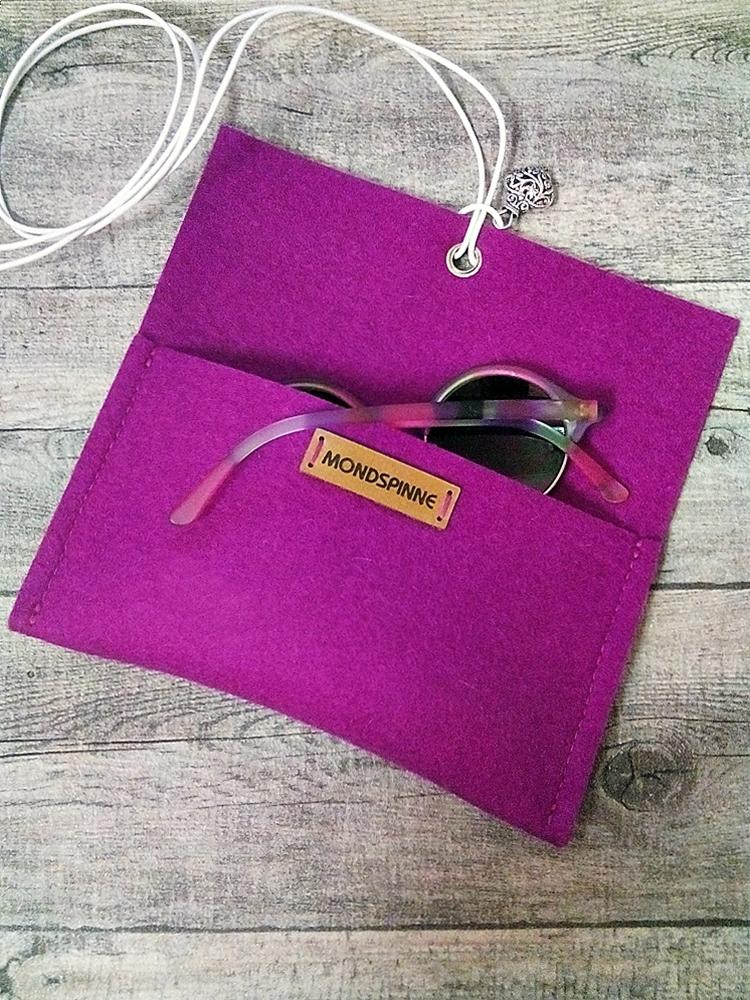 """Brillentasche """"Herz"""" (violett), aus Wollfilz & Leder - MONDSPINNE"""