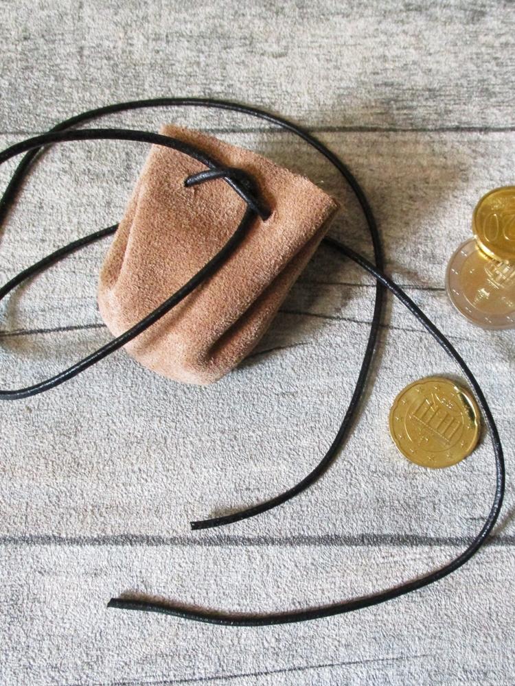 Mini-Lederbeutel beige schwarz Rindswildleder - MONDSPINNE