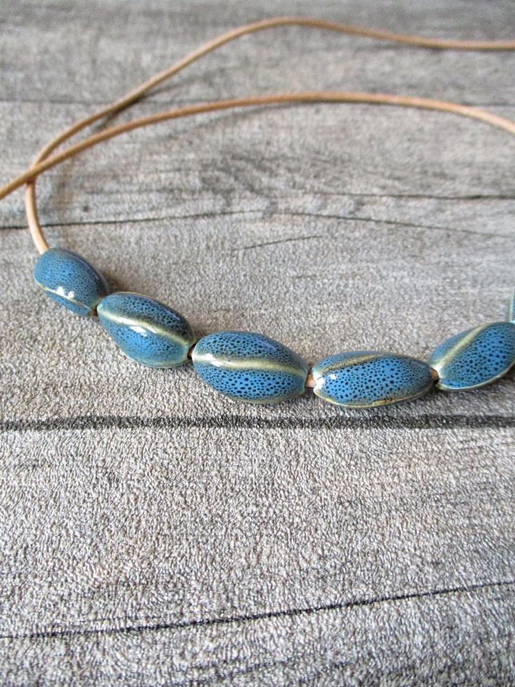 Porzellanperlen Großlochperlen antik glasiert Twist Opal dodgerblue - MONDSPINNE