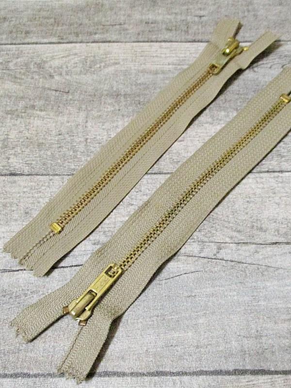 Reißverschluss beige messing 18 cm lang 3 cm breit YKK - MONDSPINNE