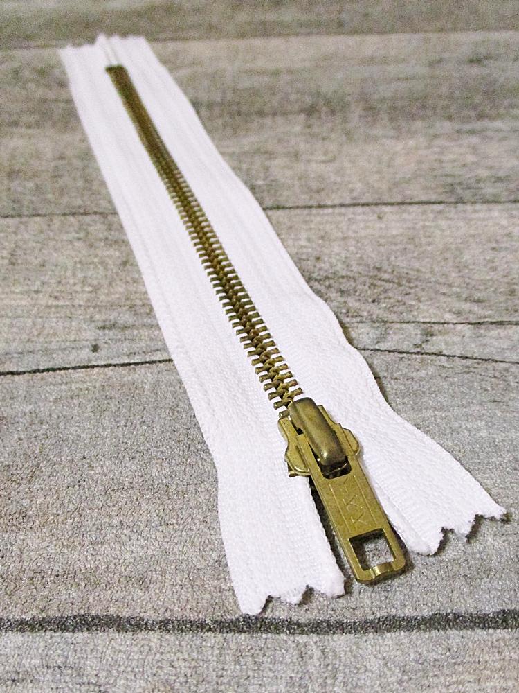 Reißverschluss weiß messing 18 cm lang 3 cm breit YKK - MONDSPINNE