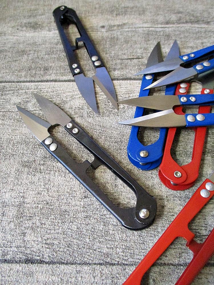 Fadenschere lackiertes Metall 106x22x10mm schwarz blau rot - MONDSPINNE