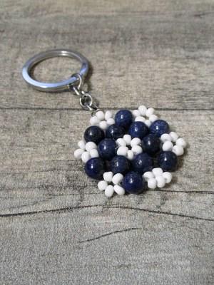 Blüte Edelsteinanhänger Taschenanhänger Lapislazuli blau weiß mit Schlüsselring - MONDSPINNE