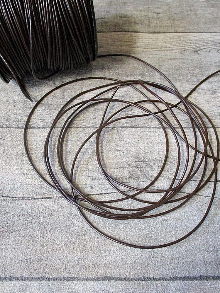 Lederband Lederriemen Rindsleder dunkelbraun rund 1,5 mm - MONDSPINNE