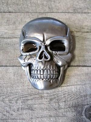 Gürtelschnalle Metallschließe Buckle silber schwarz Metall oval Totenschädel Skull - MONDSPINNE