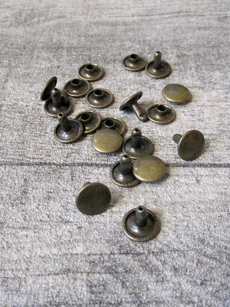 Niete Hohlniete rund flach Metall altmessing 10x7 mm - MONDSPINNE
