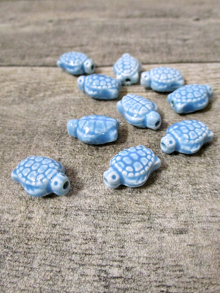 Porzellanperlen Großlochperlen handgefertigt türkis Schildkröte 18x14x9 mm Lochgröße 2 mm - MONDSPINNE