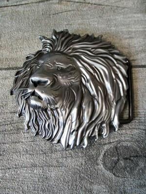 Gürtelschnalle Metallschließe Buckle silber rund plastisch Kopf Löwe Löwenkopf - MONDSPINNE