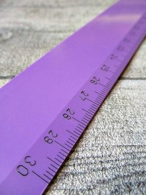 Lineal 30 cm lila violett Kunststoff Wenco - MONDSPINNE