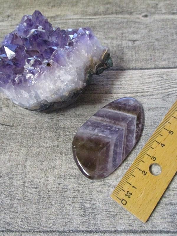 Anhänger Amethyst lila violett Edelstein gebohrt flach tropfenförmig groß - MONDSPINNE
