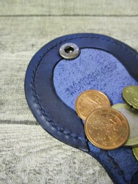 Schütte Börse Portemonnaie Rindsleder dunkelblau altsilber 8x8x3 cm Druckknopf Kreuz - MONDSPINNE