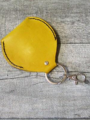 Schlüsselanhänger mit Börse Metall Rindsleder silber grau gelb - MONDSPINNE