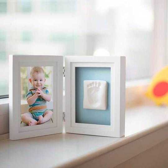 marco-fotos-huella-arcilla-bebe-pearhead-monetes