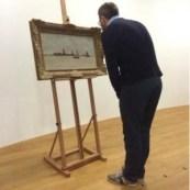 BasHusslage - kijkend naar Monet schilderij