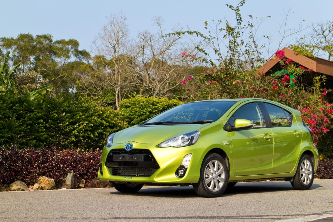 hybrid cars pros and
