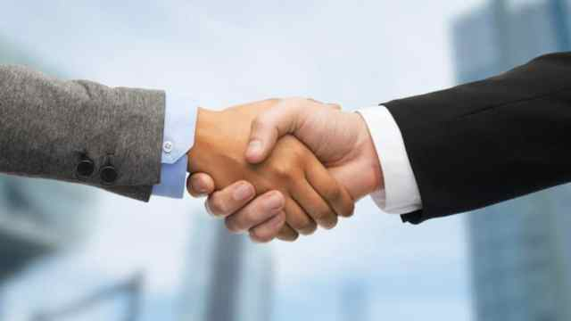 Partners Business Office Concept Businessman Shaking Hands Agreement