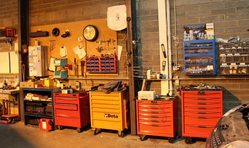 mechanic garage tools