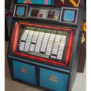 Used Rowe/AMI R-88 45 RPM Jukebox With Records   moneymachines.com