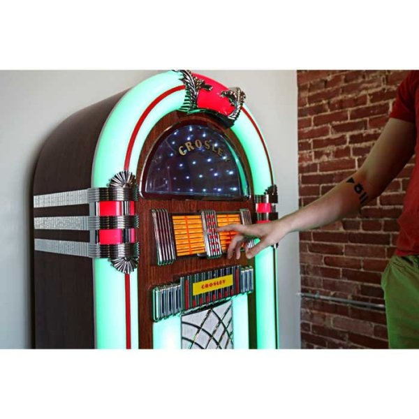 Crosley CR1215A-WA Jukebox Playing | moneymachines.com