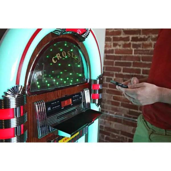 Crosley CR1215A-WA Jukebox Selecting | moneymachines.com