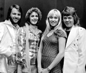 Black and white photo of the band ABBA (1974)