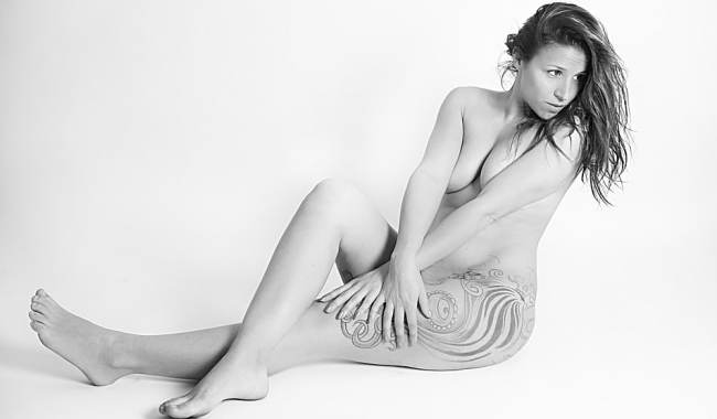 woman life modelling