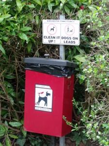moneymagpie_dog-walking-make-60-an hour-while-getting-fit_dog-waste-bin