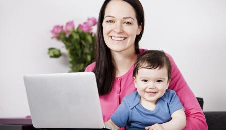 mother shopping online - earn cashback with Quidco every time you shop